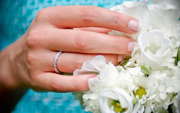 Inel de logodna cu pietre pretioase