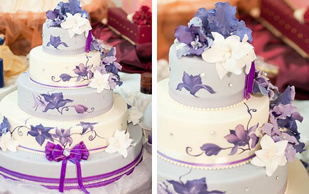 Tort de nunta pictat manual cu flori mov